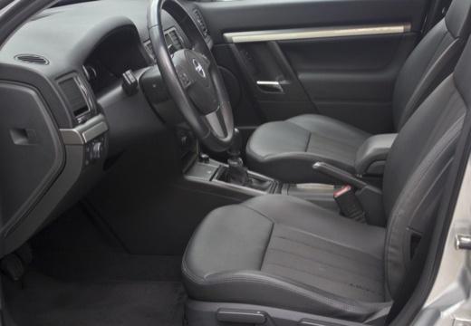 OPEL Vectra C II sedan wnętrze