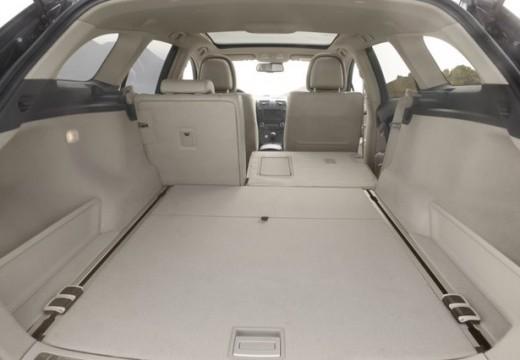 Toyota Avensis V kombi przestrzeń załadunkowa