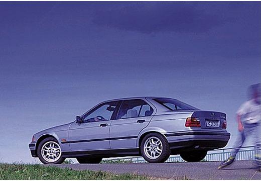 BMW Seria 3 E36 sedan silver grey tylny lewy