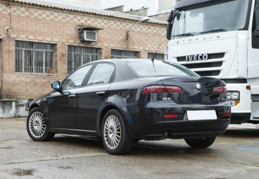 ALFA ROMEO 159 sedan tylny lewy