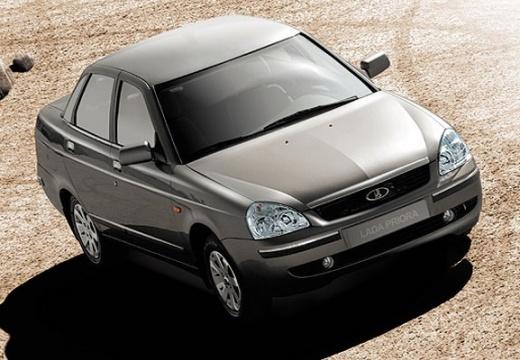 LADA Priora sedan silver grey przedni prawy