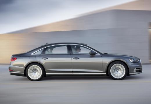 AUDI A8 4N sedan silver grey boczny prawy