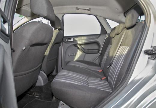 FORD Focus IV hatchback wnętrze