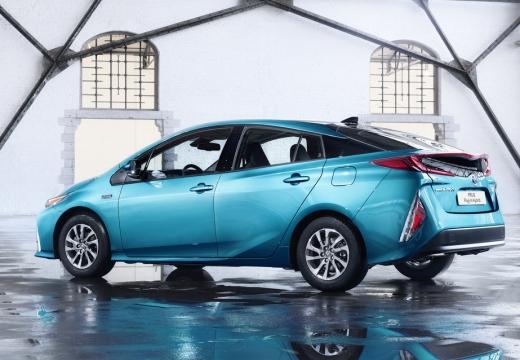 Toyota Prius hatchback niebieski jasny boczny prawy