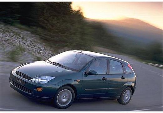 FORD Focus hatchback czarny przedni lewy