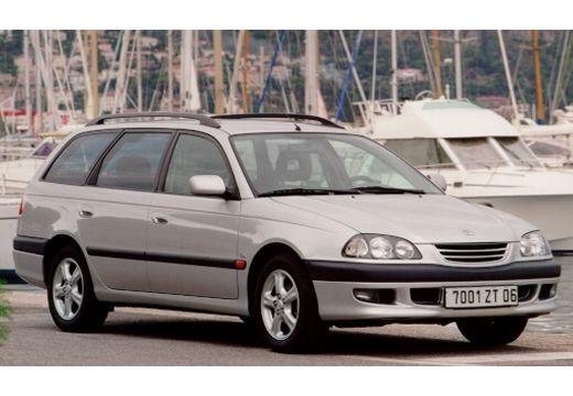 Toyota Avensis I kombi silver grey przedni prawy