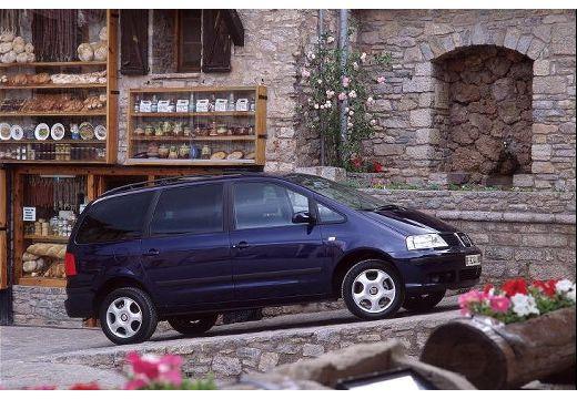 SEAT Alhambra II van czarny przedni prawy