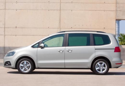 SEAT Alhambra III van silver grey boczny lewy