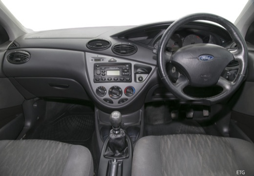 FORD Focus II hatchback tablica rozdzielcza