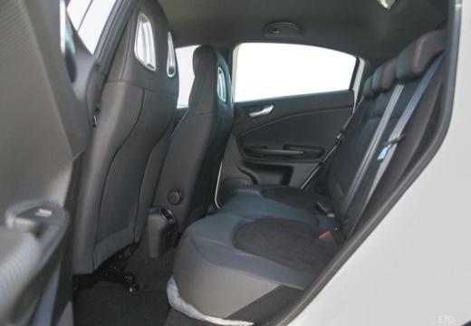 ALFA ROMEO Giulietta III hatchback wnętrze