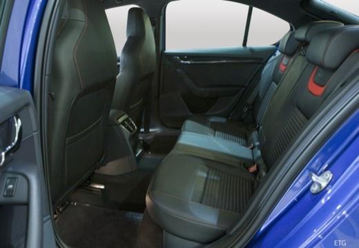 SKODA Octavia III I hatchback wnętrze