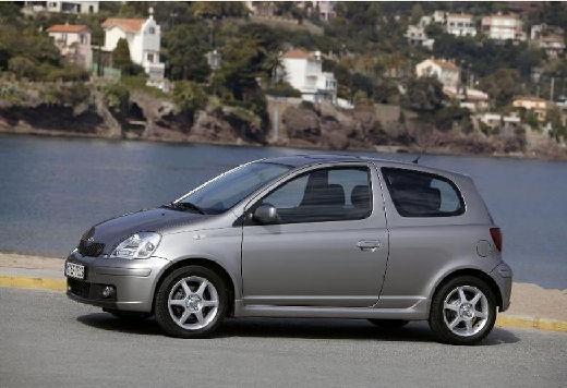 Toyota Yaris II hatchback silver grey przedni lewy