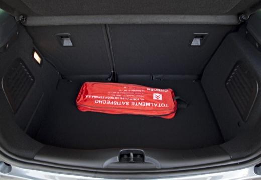 CITROEN DS3 I hatchback szary ciemny przestrzeń załadunkowa