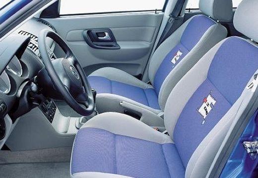 VOLKSWAGEN Polo III II hatchback wnętrze