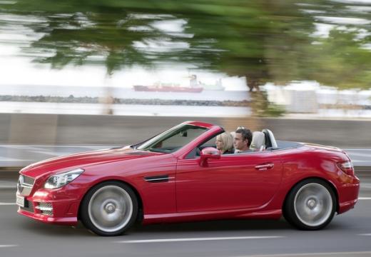 MERCEDES-BENZ Klasa SLK SLK R 172 roadster czerwony jasny przedni lewy