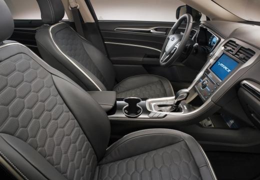 FORD Mondeo VIII sedan brązowy wnętrze