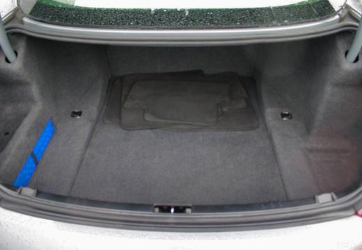 BMW Seria 6 E63 II coupe przestrzeń załadunkowa