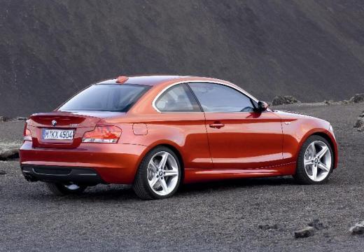 BMW Seria 1 coupe pomarańczowy tylny prawy