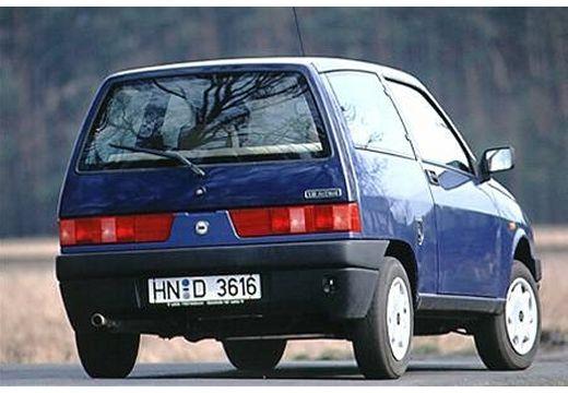 LANCIA Y hatchback niebieski jasny tylny prawy