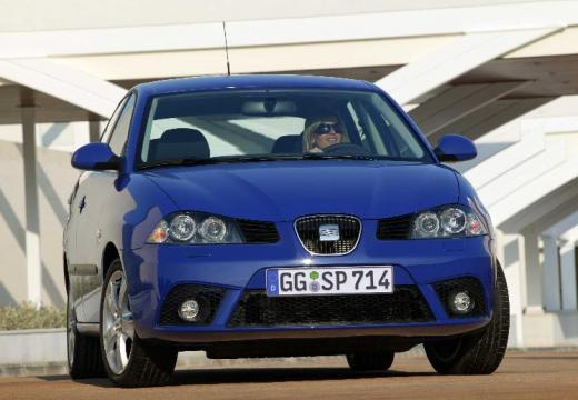 SEAT Ibiza 1.2 12V Reference Hatchback IV 70KM (benzyna)