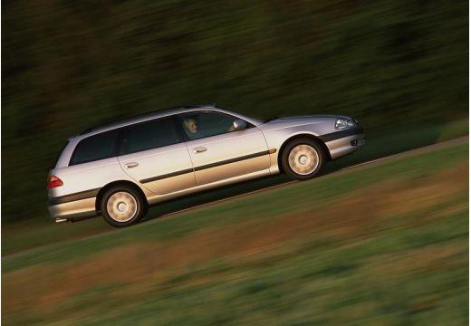 Toyota Avensis II kombi silver grey boczny prawy