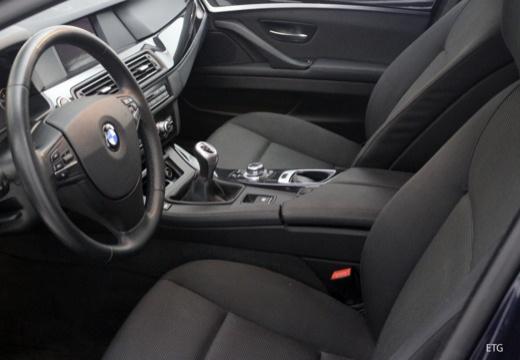 BMW Seria 5 Touring F11 I kombi wnętrze