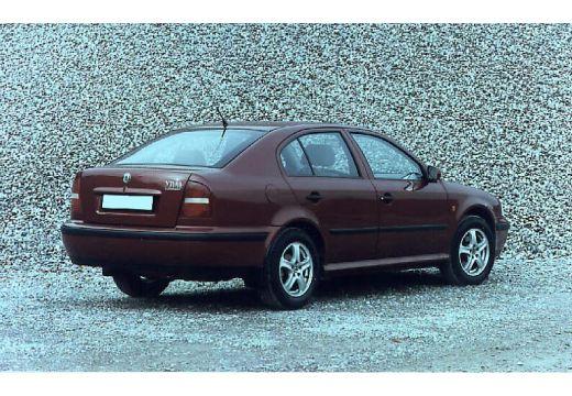 SKODA Octavia hatchback tylny prawy
