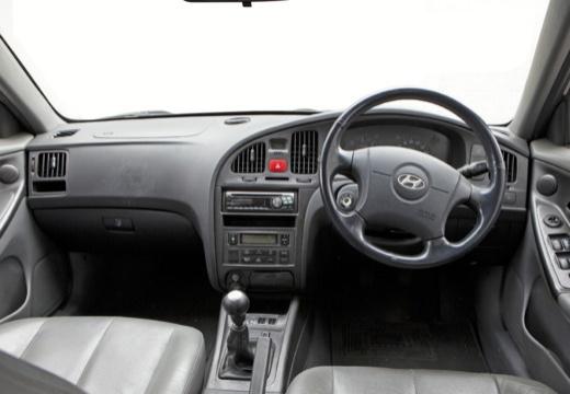 HYUNDAI Elantra II hatchback tablica rozdzielcza