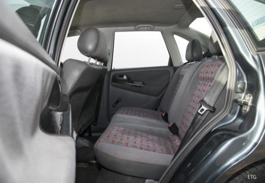 SEAT Cordoba II sedan wnętrze