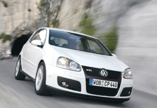 VOLKSWAGEN Golf Hatchback V
