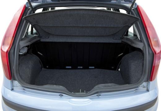 FIAT Punto II II hatchback niebieski jasny przestrzeń załadunkowa