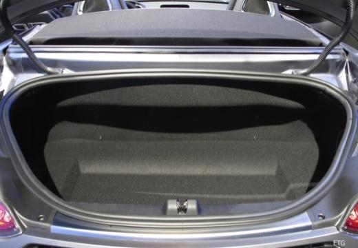 MERCEDES-BENZ Mercedes AMG GT roadster przestrzeń załadunkowa