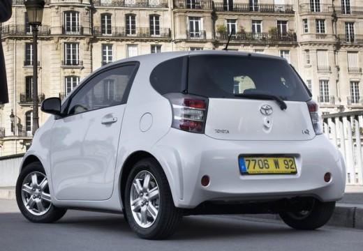 Toyota iQ I hatchback biały tylny lewy