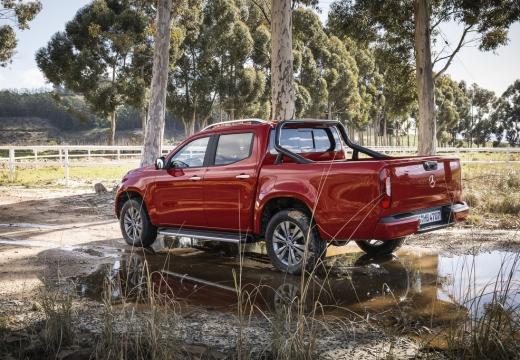 MERCEDES-BENZ Klasa X pickup czerwony jasny tylny lewy
