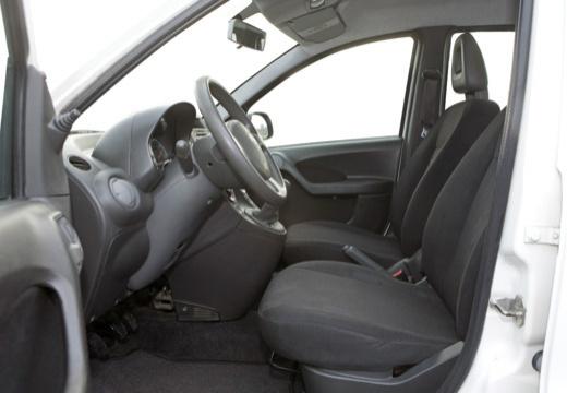 FIAT Panda II hatchback biały wnętrze
