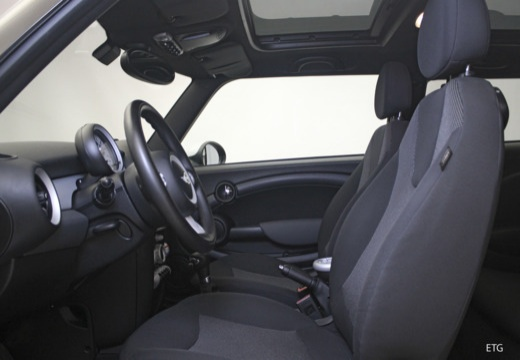 MINI [BMW] Mini MINI One III hatchback wnętrze