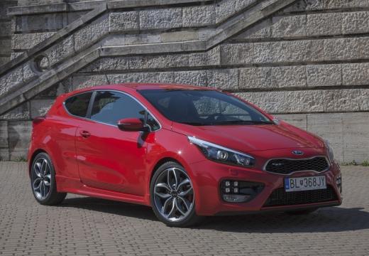 KIA Ceed Proceed V hatchback czerwony jasny przedni prawy