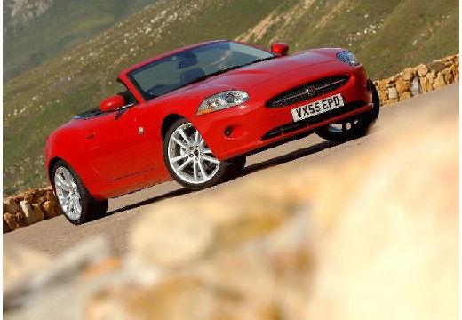 JAGUAR XK kabriolet czerwony jasny przedni prawy