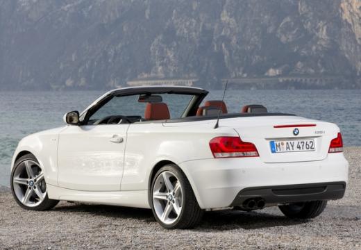 BMW Seria 1 kabriolet biały tylny lewy