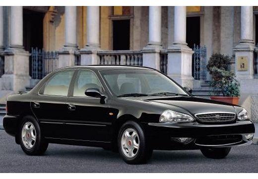 KIA Clarus sedan czarny przedni prawy