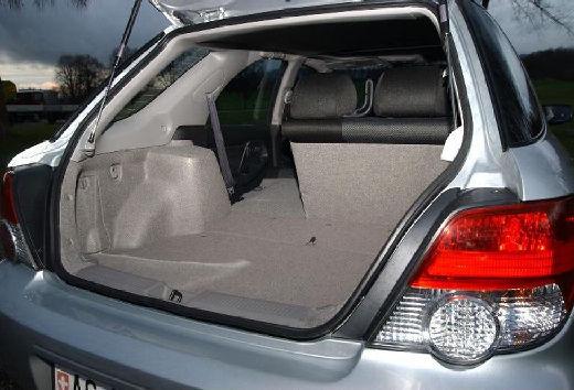 SUBARU Impreza IV kombi silver grey wnętrze