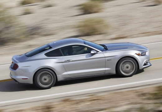 FORD Mustang Fastback I coupe silver grey boczny prawy