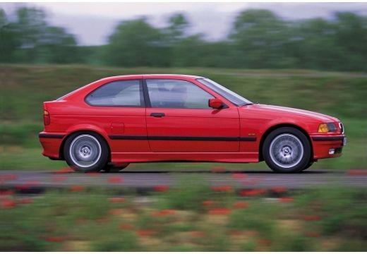 BMW Seria 3 Compact E36 hatchback czerwony jasny boczny prawy