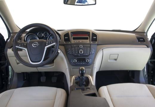 OPEL Insignia I hatchback czarny tablica rozdzielcza