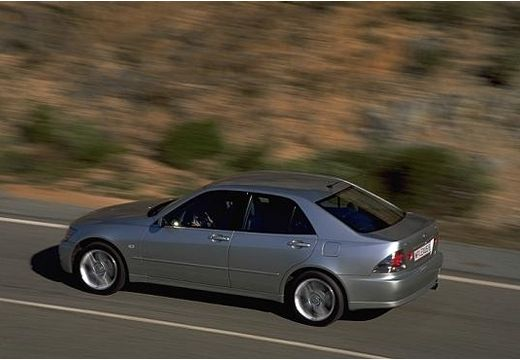 LEXUS IS I sedan silver grey tylny lewy