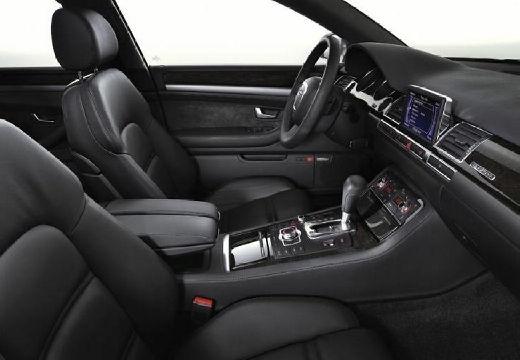 AUDI A8 4E I sedan wnętrze