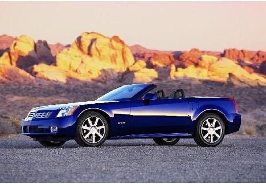 CADILLAC XLR roadster niebieski jasny przedni lewy