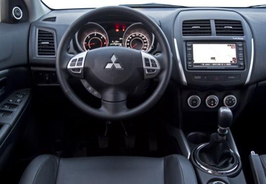 MITSUBISHI ASX I hatchback biały tablica rozdzielcza