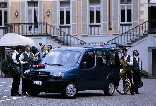 FIAT Doblo II kombi niebieski jasny przedni lewy