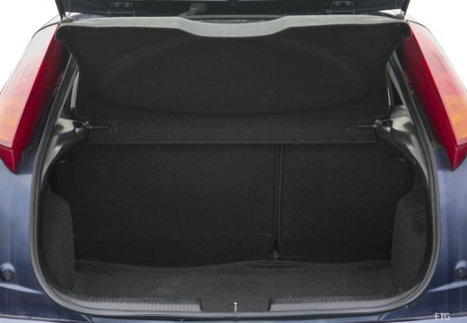 FORD Focus II hatchback przestrzeń załadunkowa